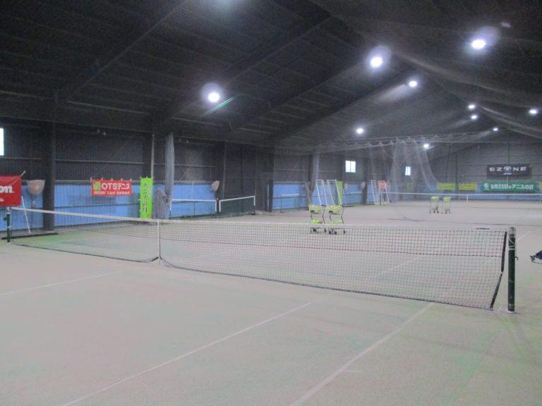 (写真2:OTSテニススクール南町田学校のコート)